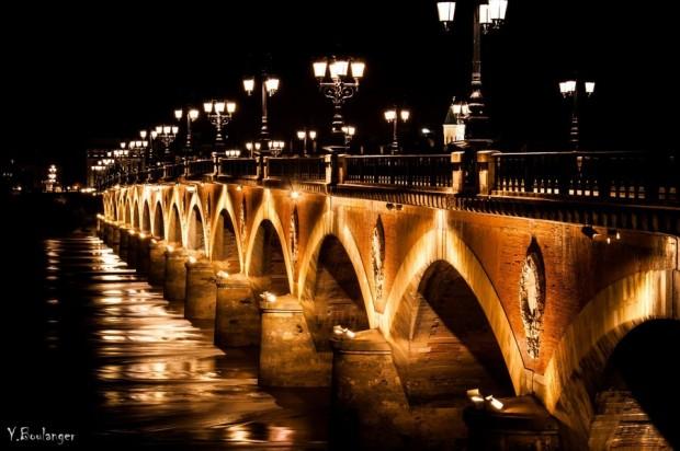 Pont de pierre nuit Bordeaux  Yohann Boulanger photographe